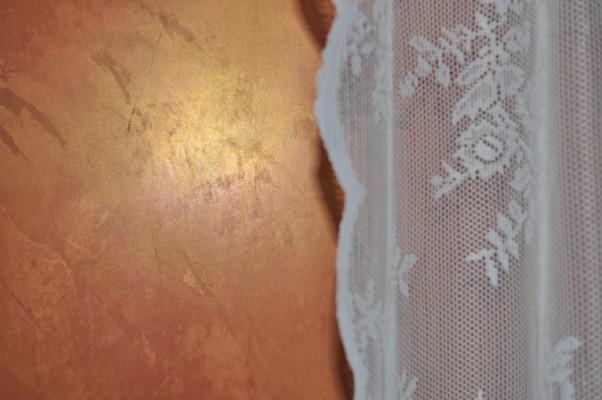 Marmorputz mit Goldeffekt