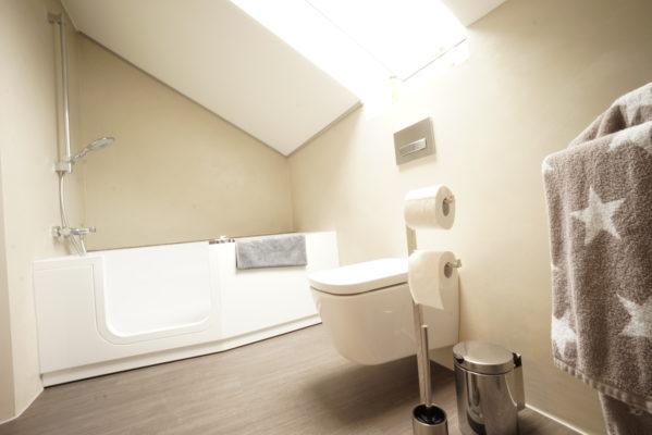 badezimmer ohne fliesen malermeister eugen schr der in bielefeld. Black Bedroom Furniture Sets. Home Design Ideas